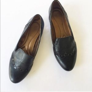Naturalizer Black Leather Studded Loafers Size 8.5